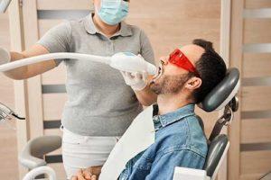 man gets his teeth whitened
